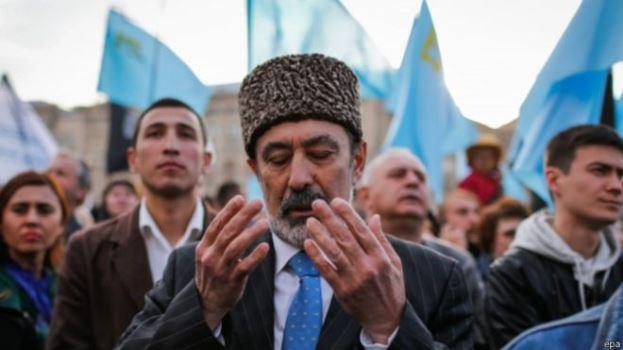 150529074737_crimean_tatars_624x351_epa