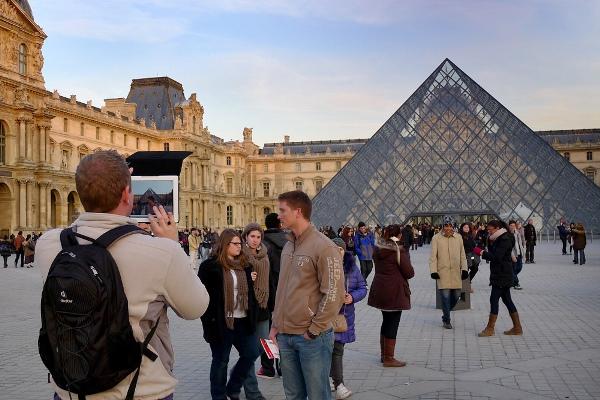 paris-lourve-p1010565-v0-1small